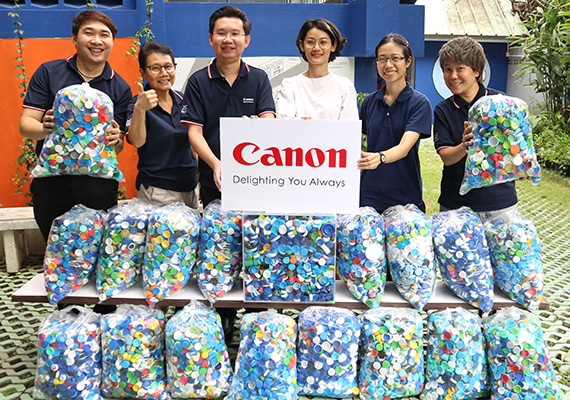 Canon supports plastic recycling program by collecting and delivering used plastic caps to Precious Plastic Bangkok  for the creation of new recycled plastic products.